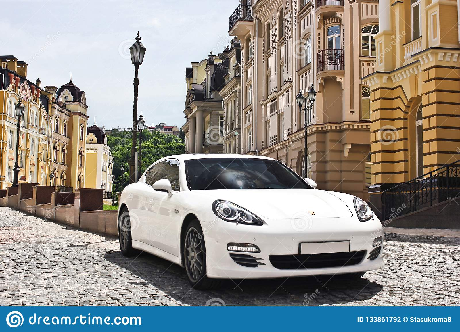 Kiev, Ukraine, le 25 juin 2015 ; Porsche Panamera 4S