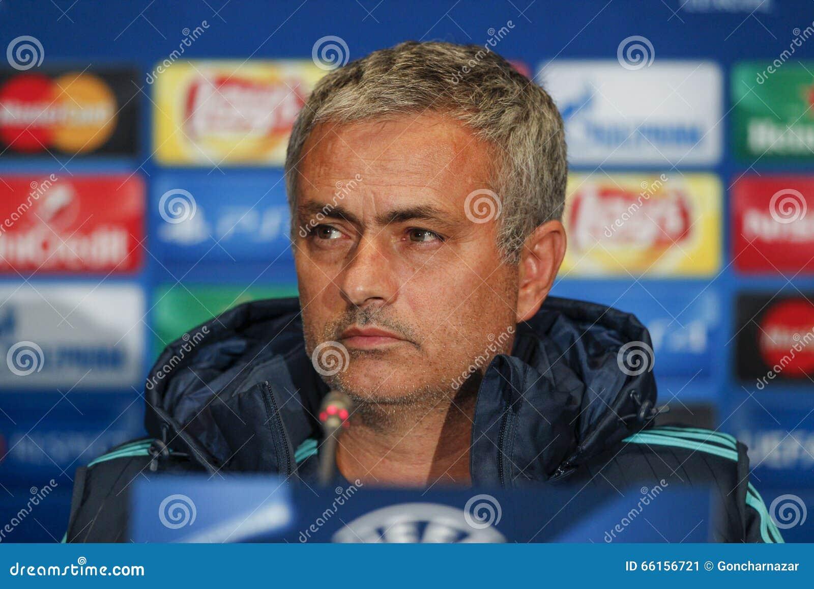 KIEV, UKRAINE - 20 OCTOBRE : Jose Mourinho