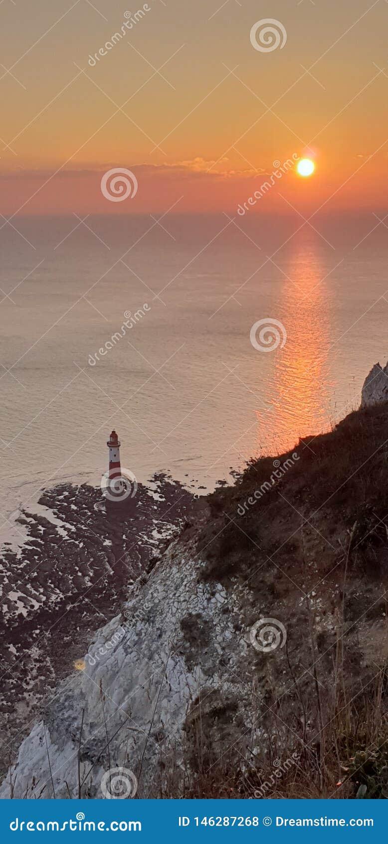 Kiezelachtige hoofdvuurtoren, Eastbourne, Sussex Zonsondergang