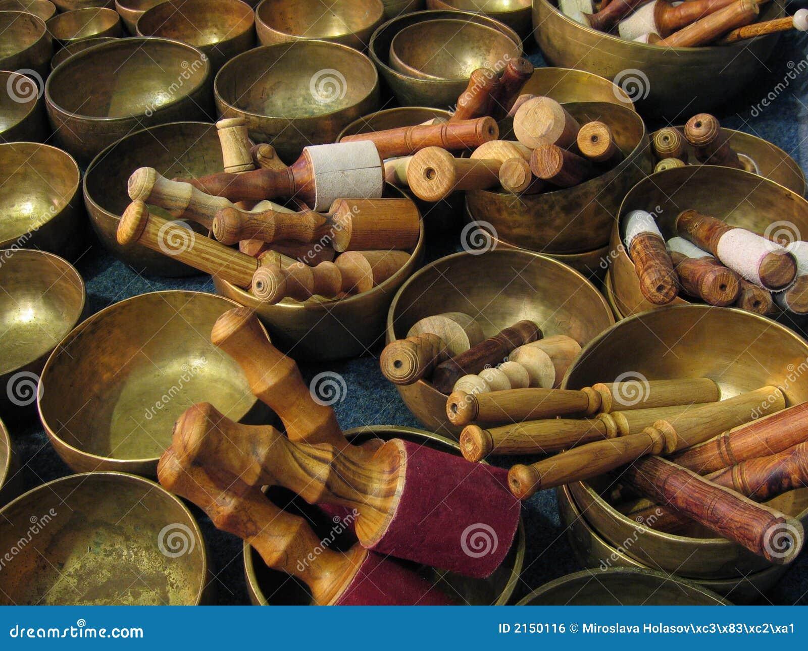 Kije tybetańskiej misek