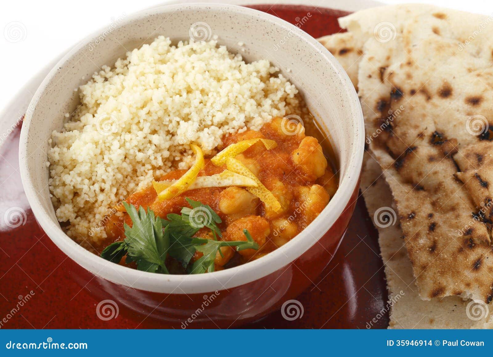Kikkererwt en tomatensoep met kouskous stock afbeeldingen afbeelding 35946914 - Hoek maaltijd ...
