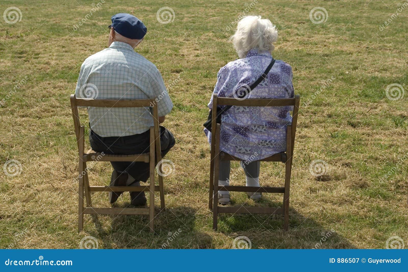 Kilka osób starszych