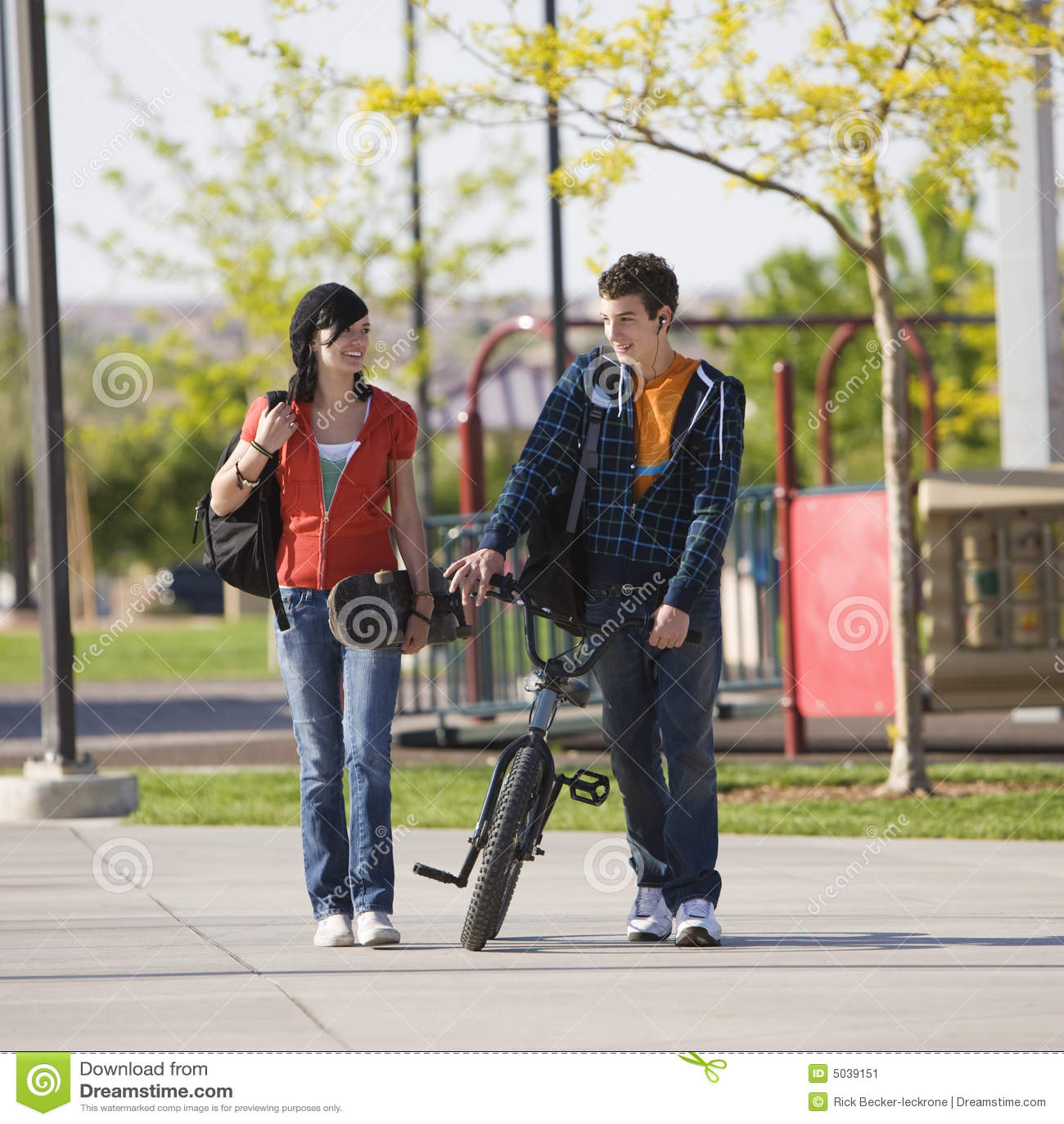 Kilka wieków dojrzewania spacery razem