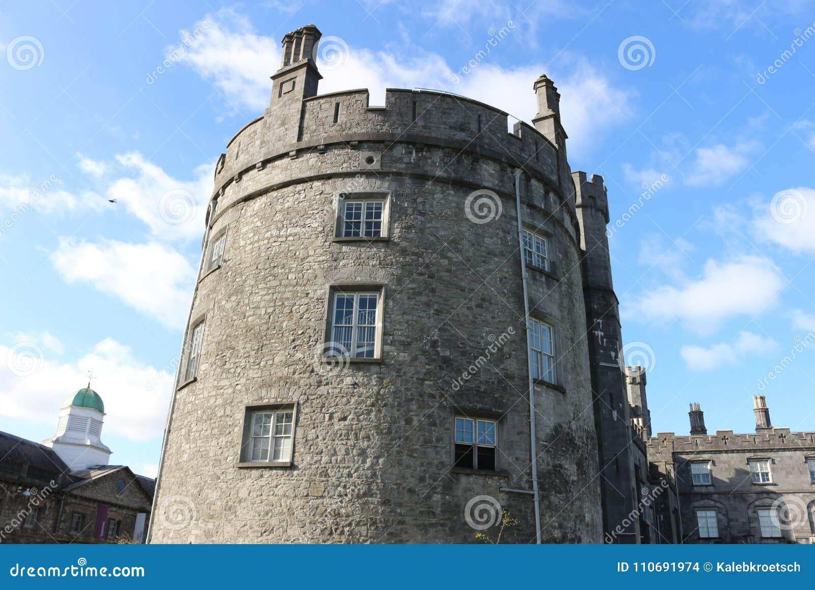 Kilkenny Castle Ιστορικό ορόσημο στην πόλη Kilkenny στην Ιρλανδία