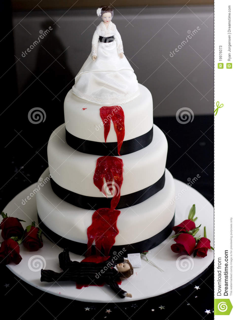 Bride And Groom Wedding Cake Designs