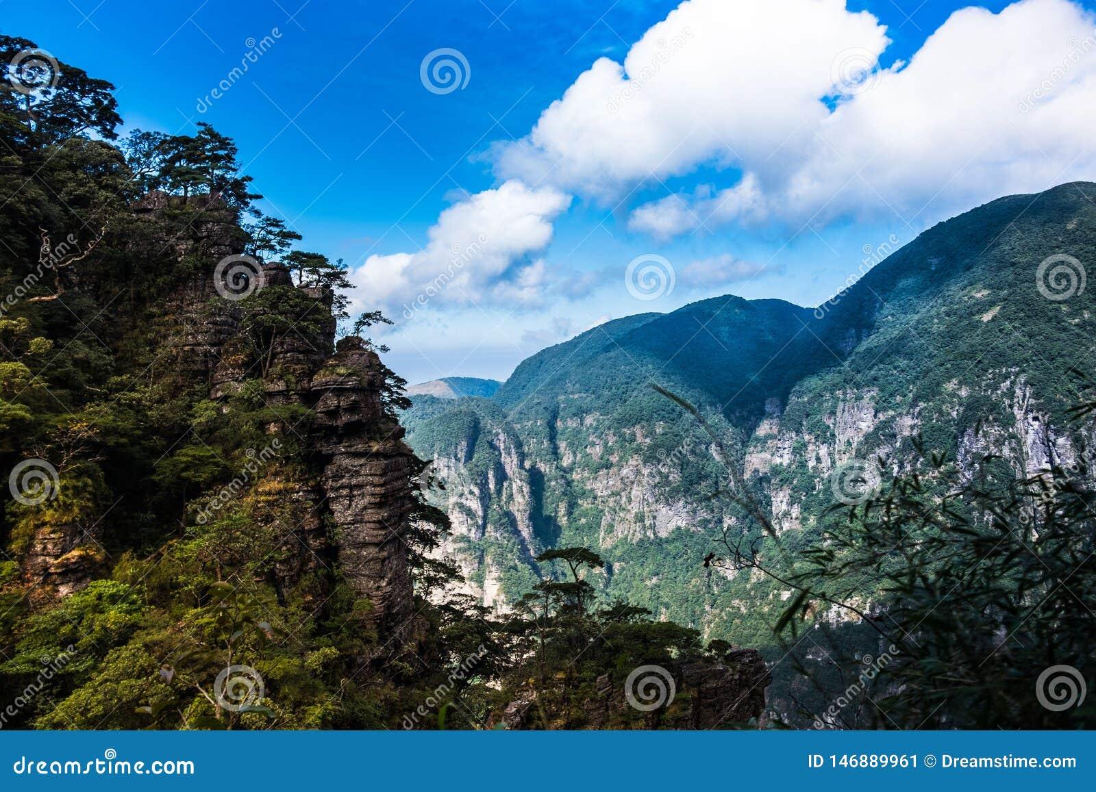 Kina berg och floder ?r s? h?rliga