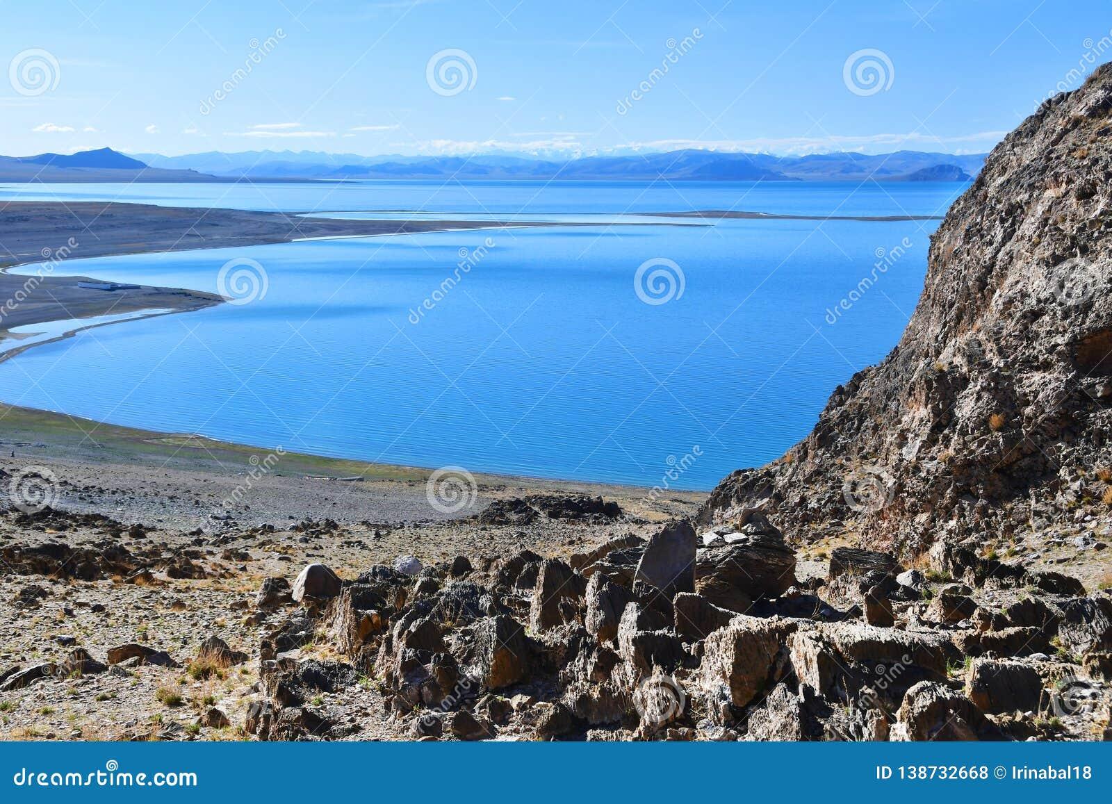 Kina Great Lakes av Tibet Sjö Teri Tashi Namtso i solig dag i Juni