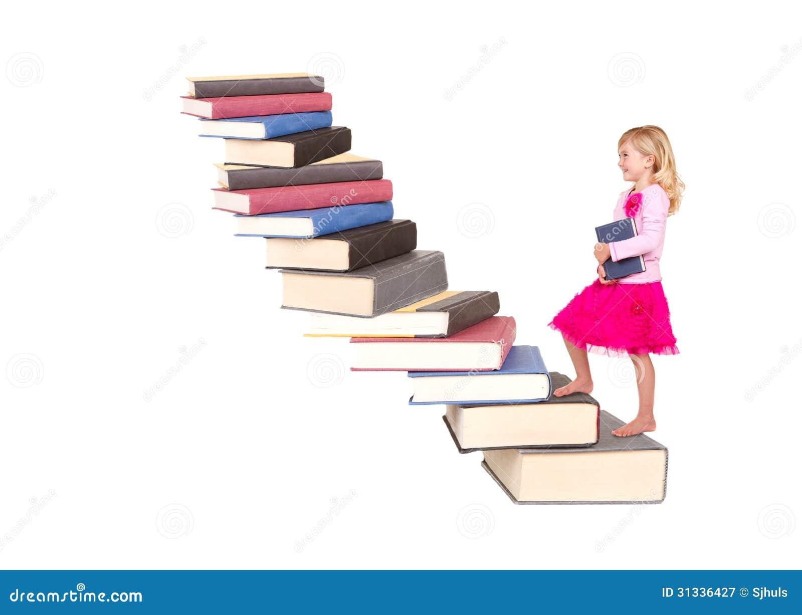 Kind die trap van boeken beklimmen royalty vrije stock fotografie afbeelding 31336427 - De trap van de bistro ...