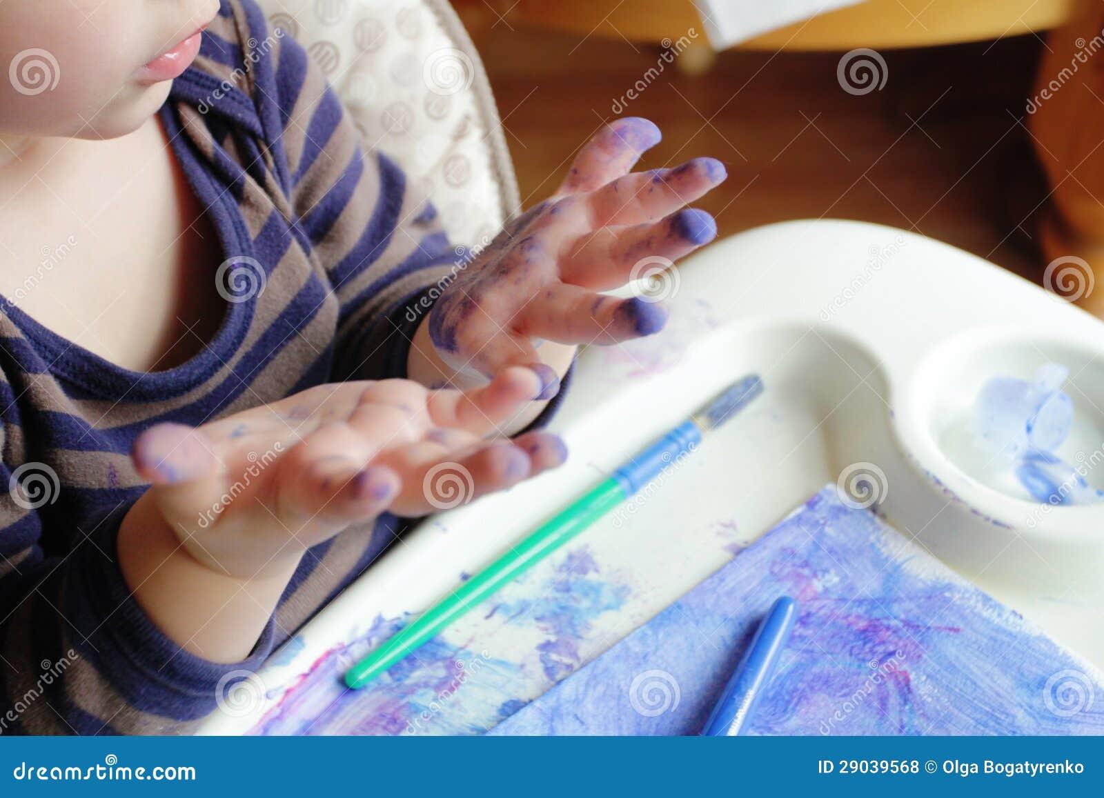 Kind het art van de tekening van de peuter royalty vrije stock foto 39 s beeld 29039568 - Schilderen kind jongen ...
