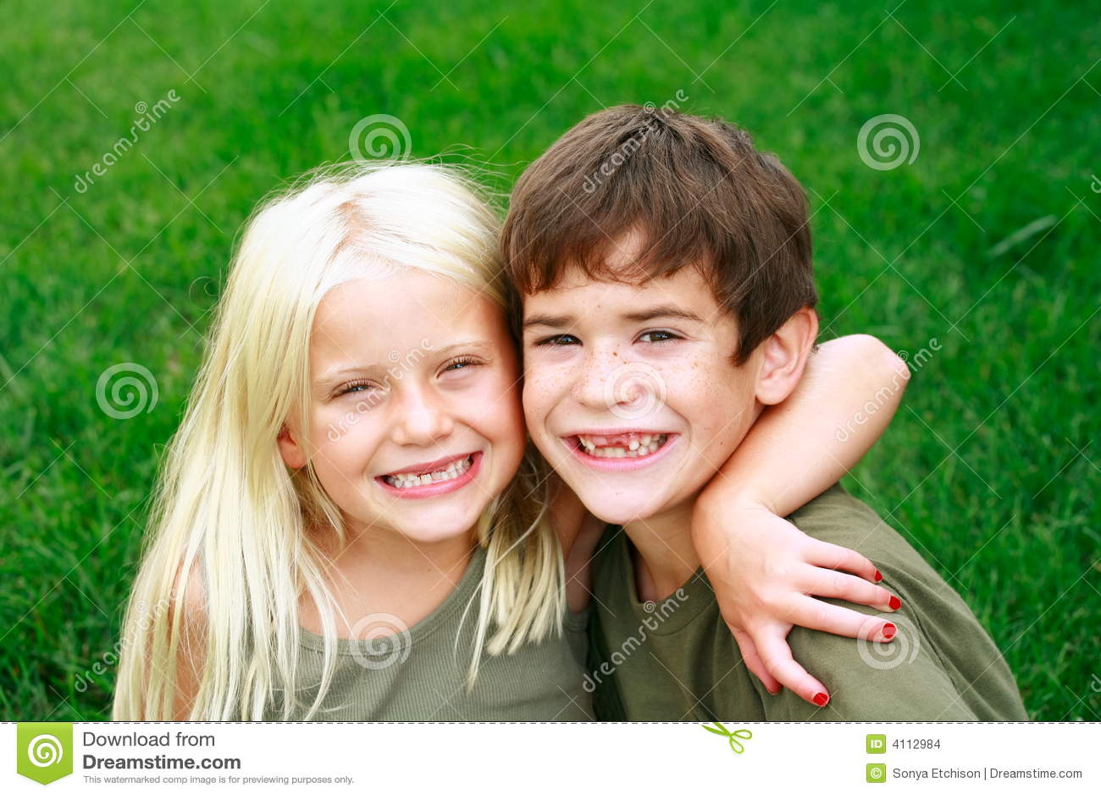 Kind-Lächeln groß