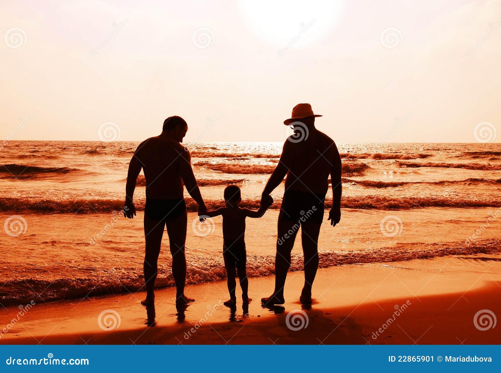 Kind met vader en grandfathe