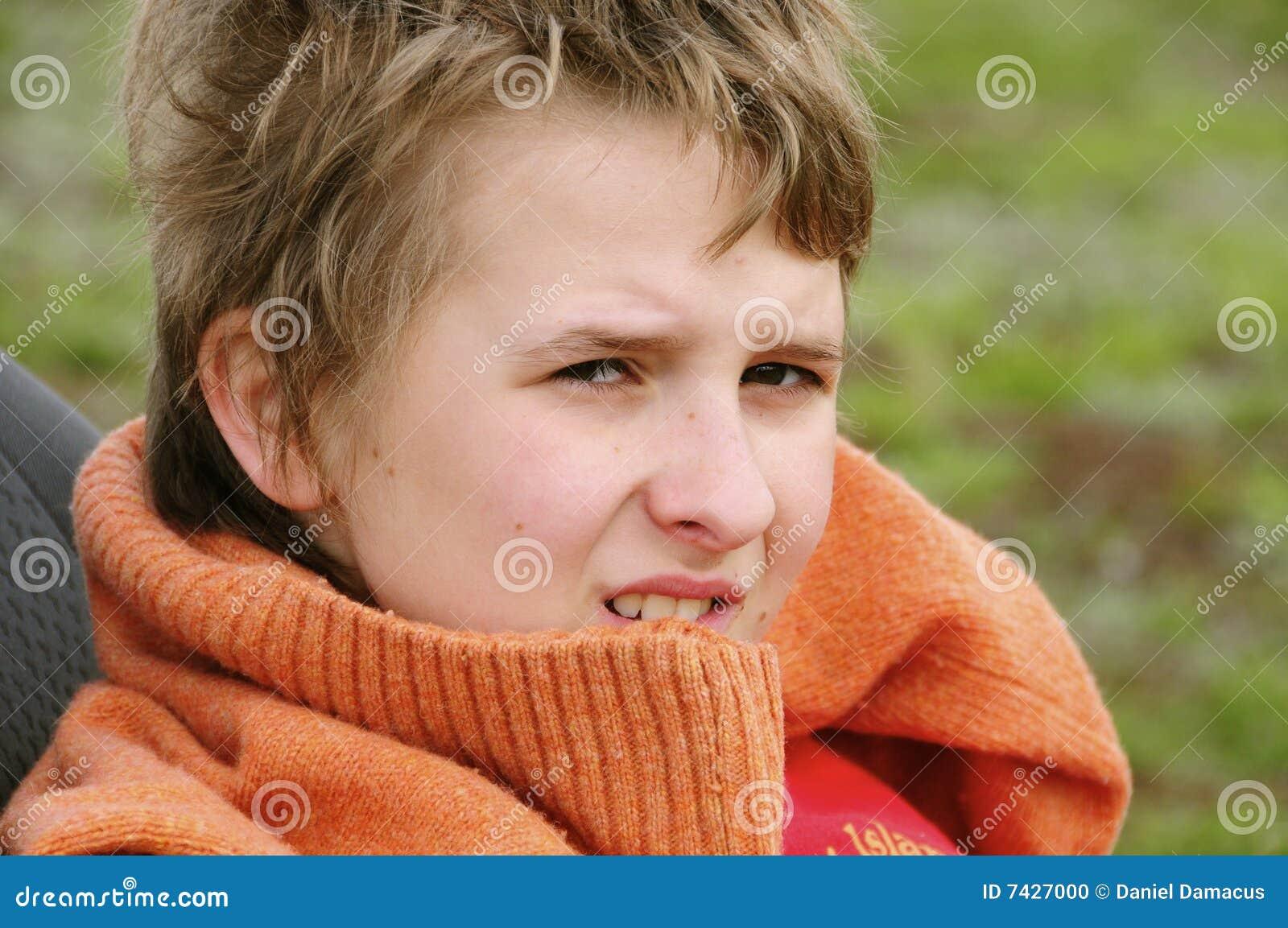 Kind mit Überbrücker