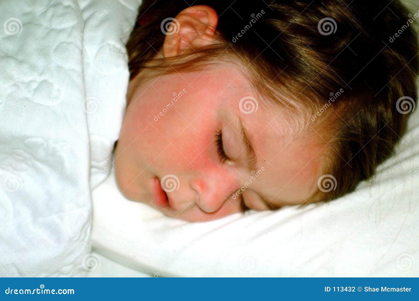 Kind slapend meisje stock fotografie beeld 113432 - Beeld het meisje van ...