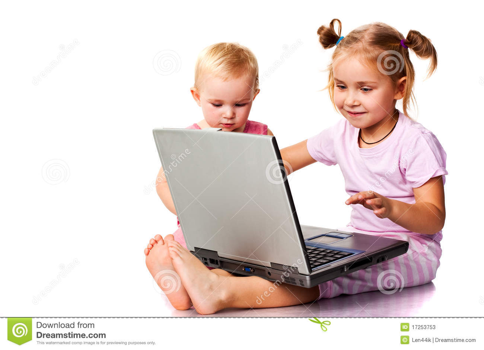 Kinder, die auf Laptop spielen