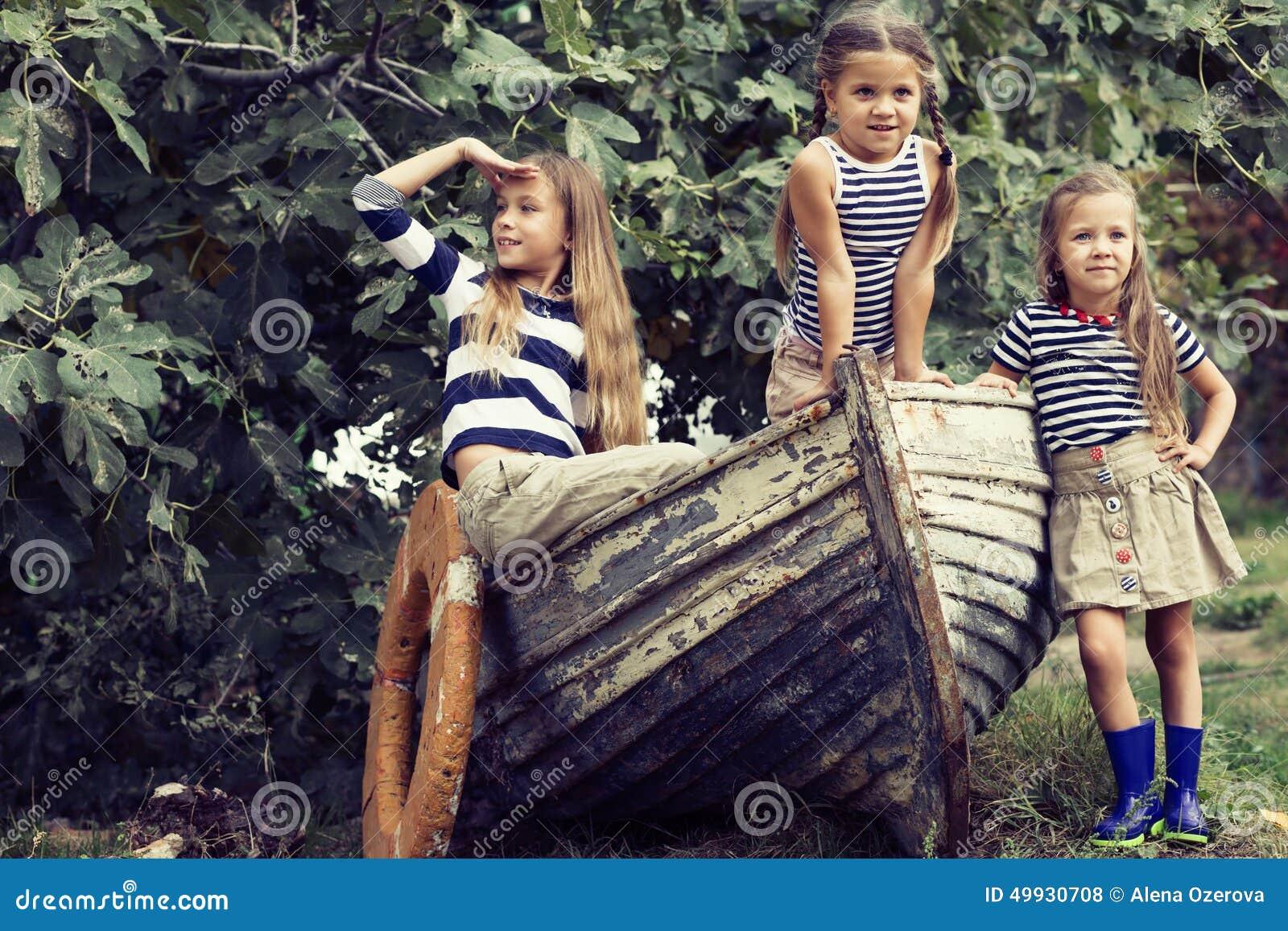 Kinder mit Vorstand
