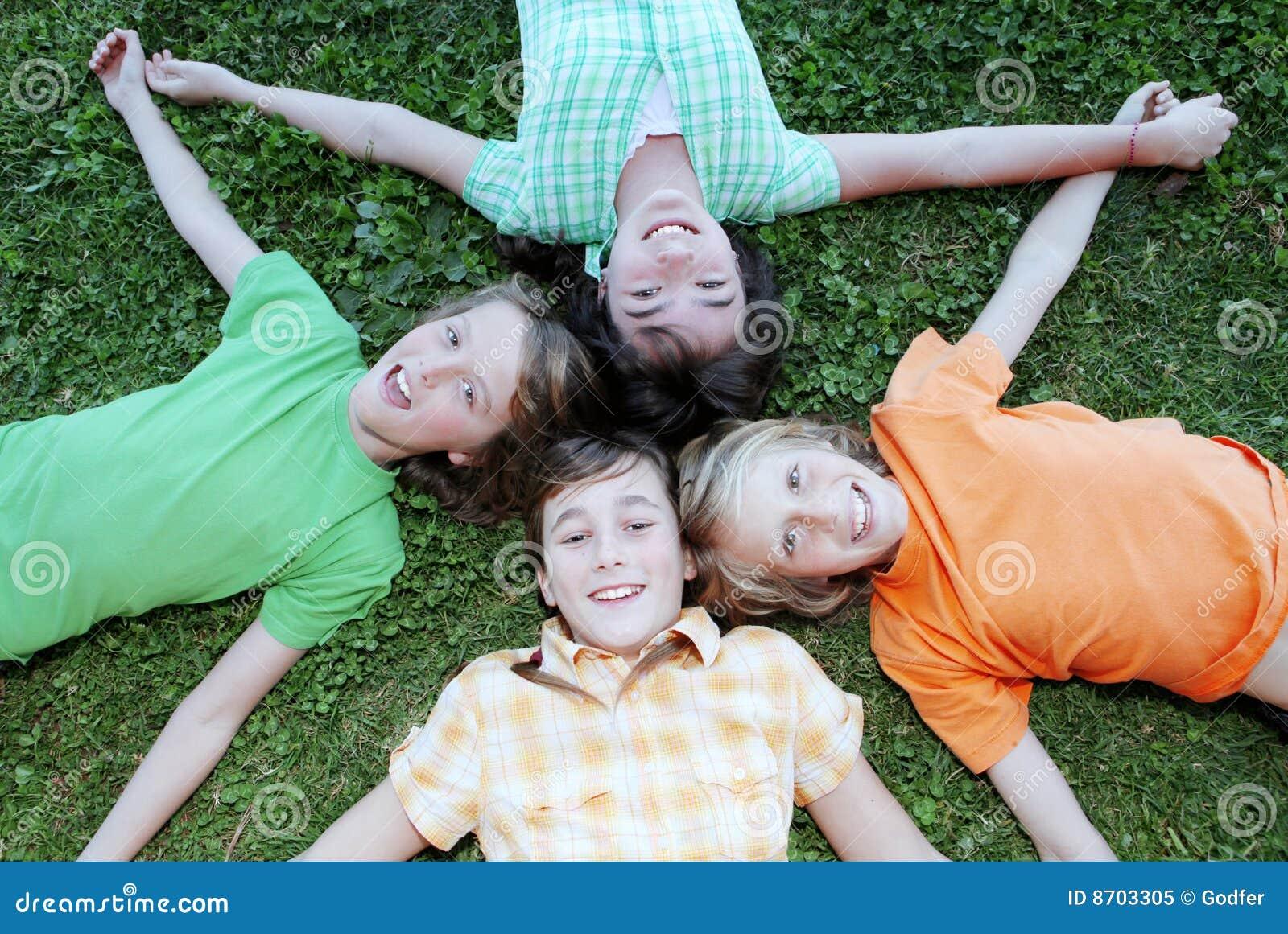 Kinder am Sommerlager
