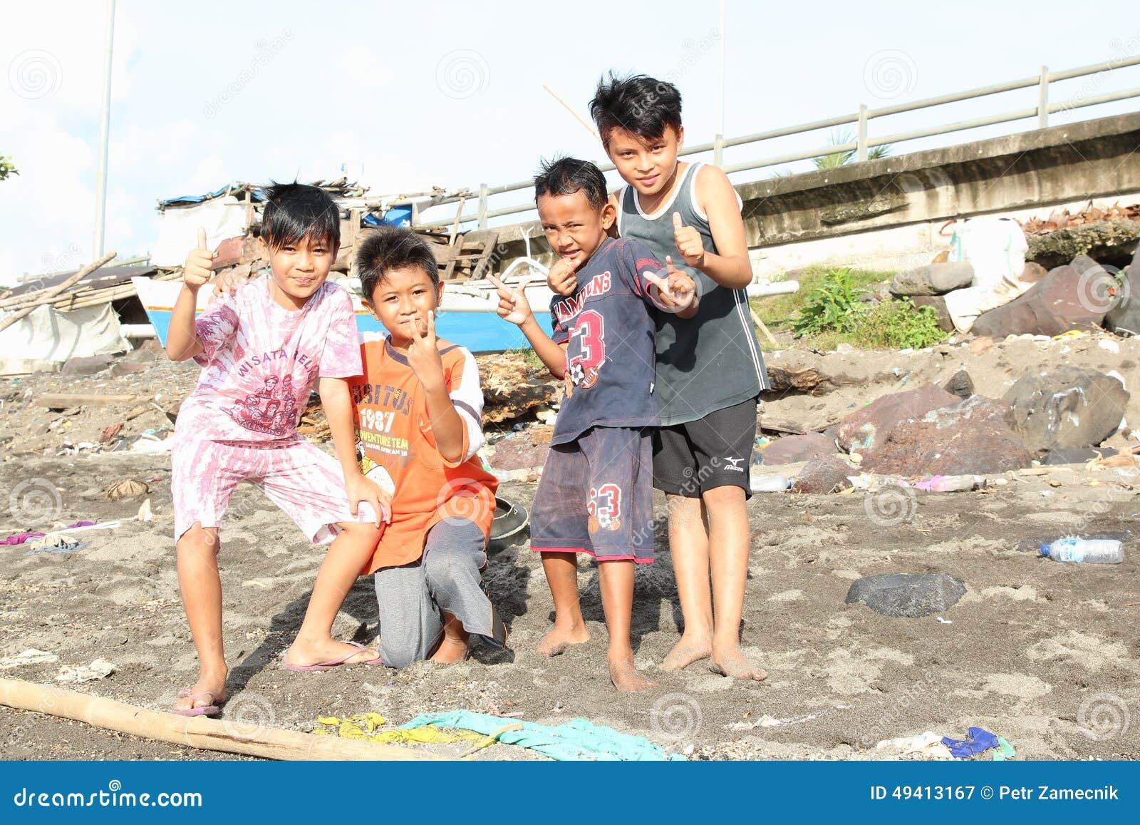 Download Kinder von Manado redaktionelles stockfotografie. Bild von zicklein - 49413167