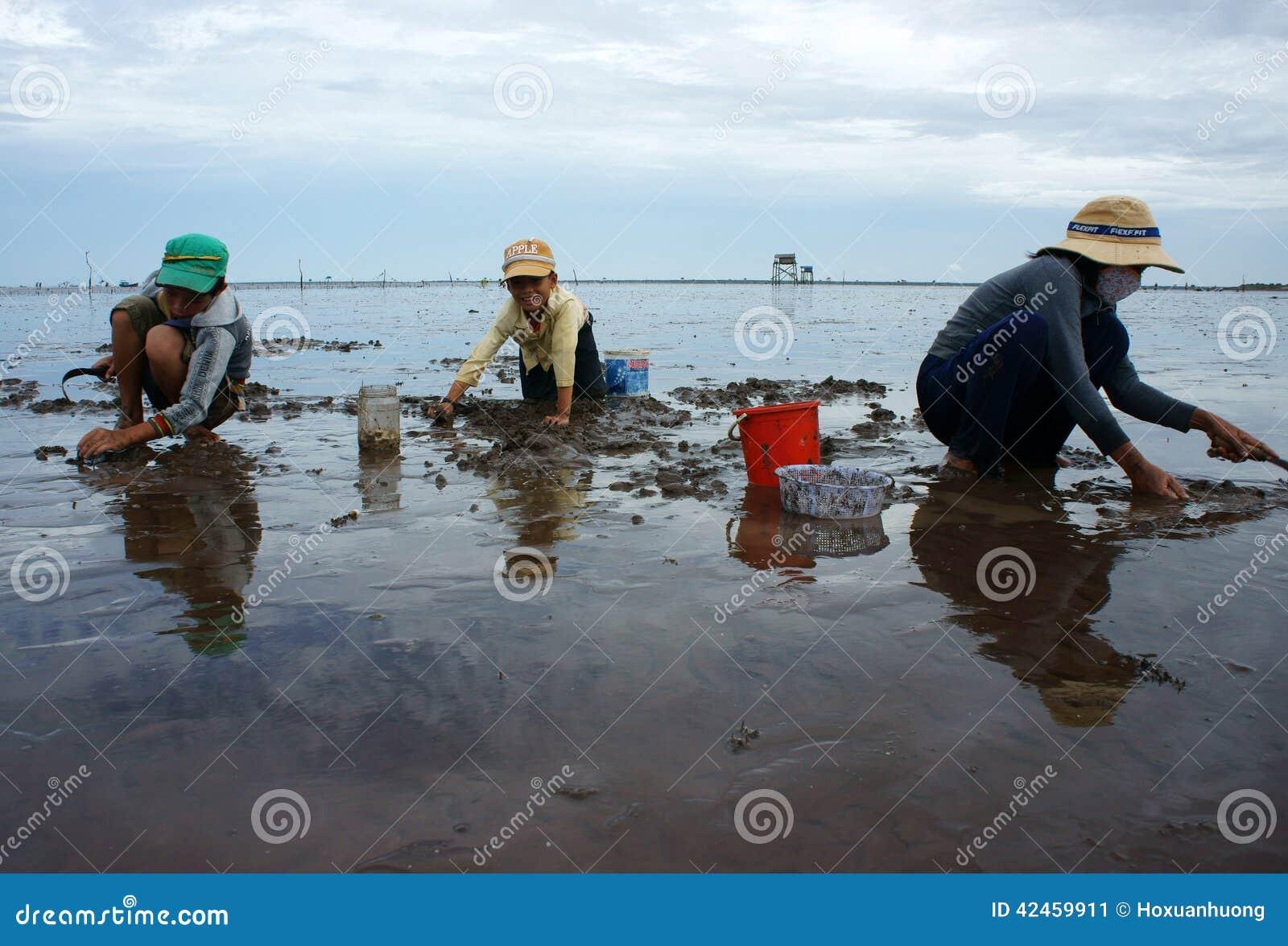 Kinderarbeit auf Vietnam-Strand