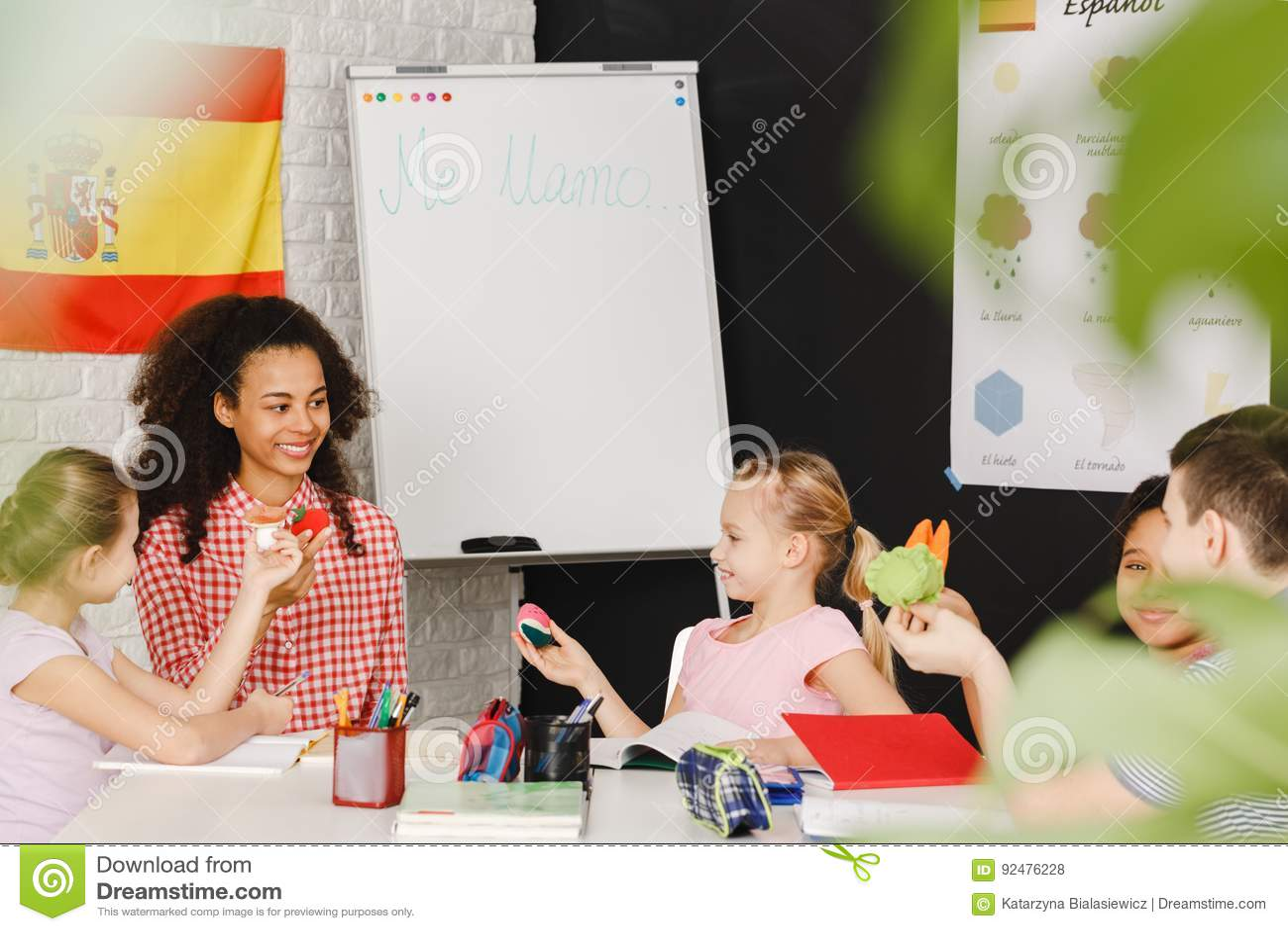 Kinderen die Spaanse taal leren