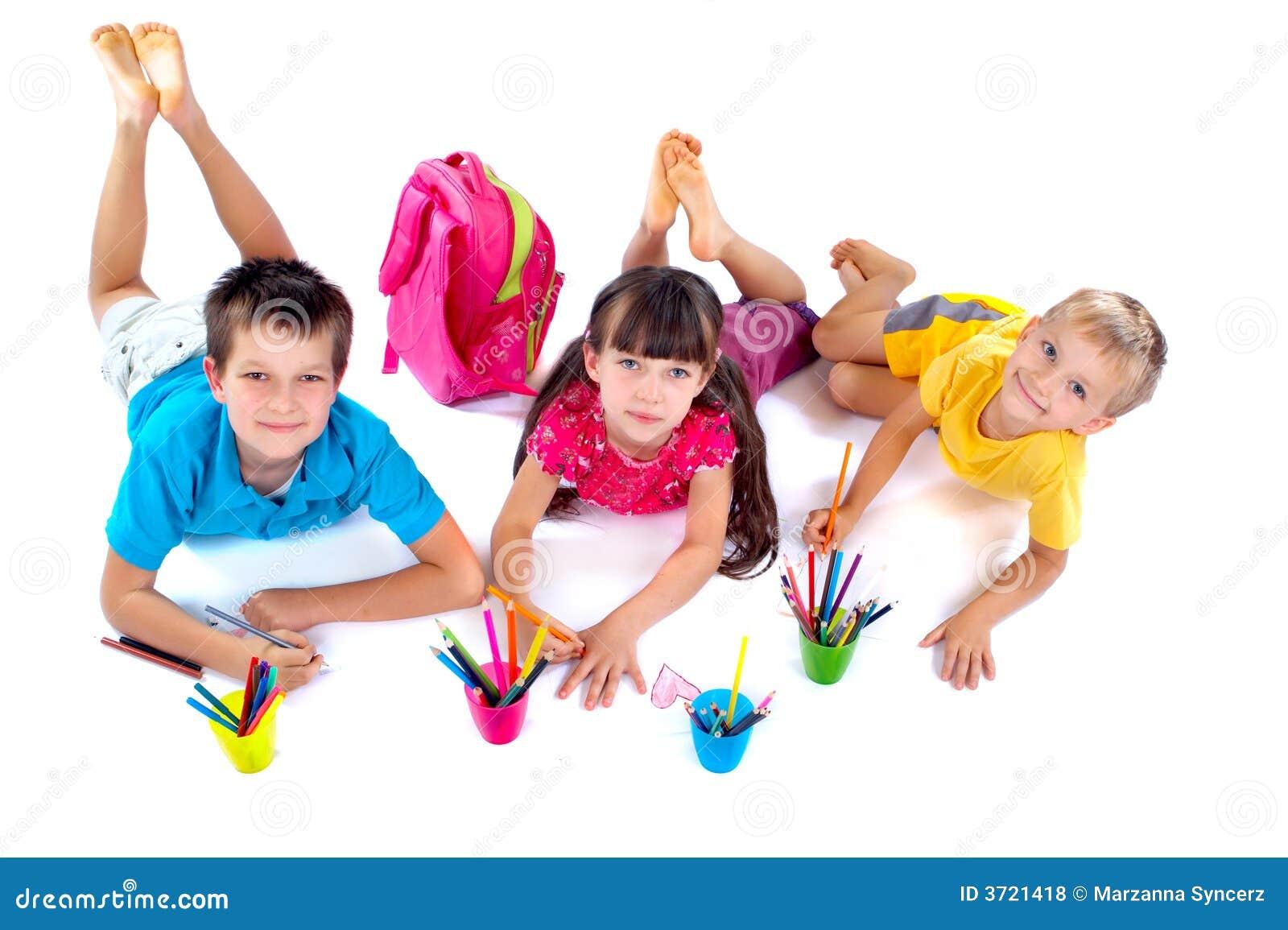 Kinderen die zich samentrekken
