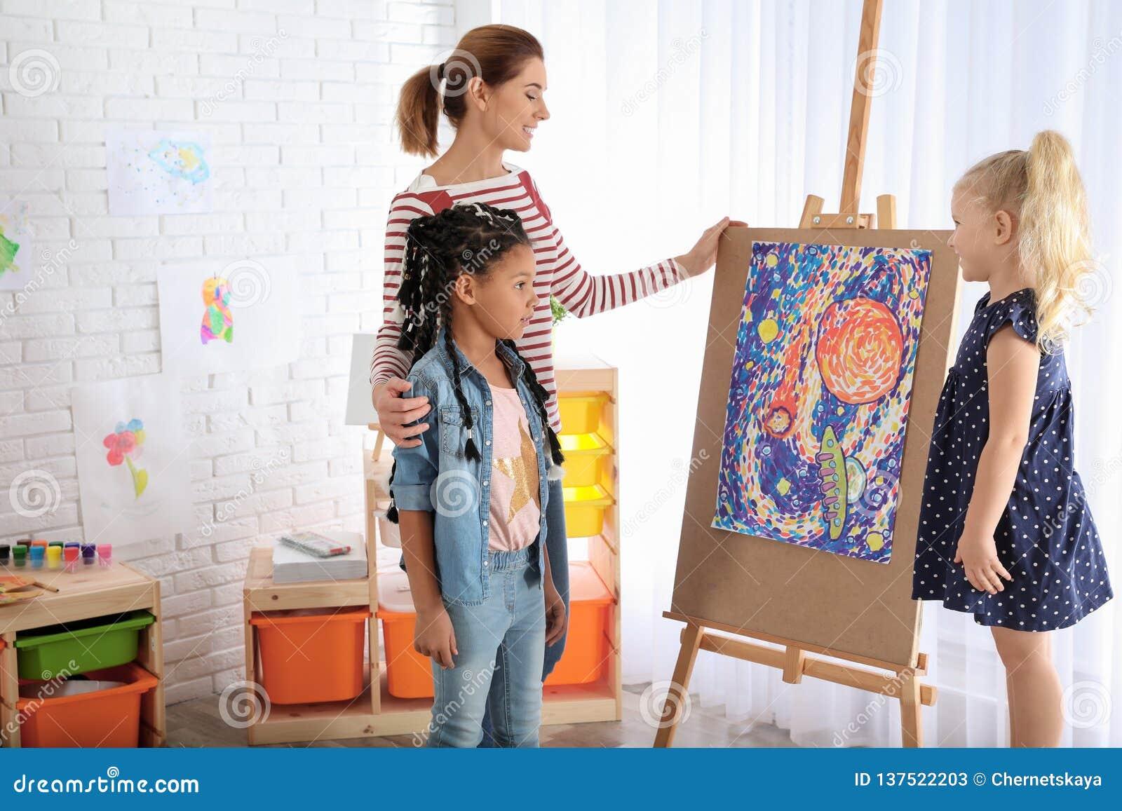 Kinderen met vrouwelijke leraar
