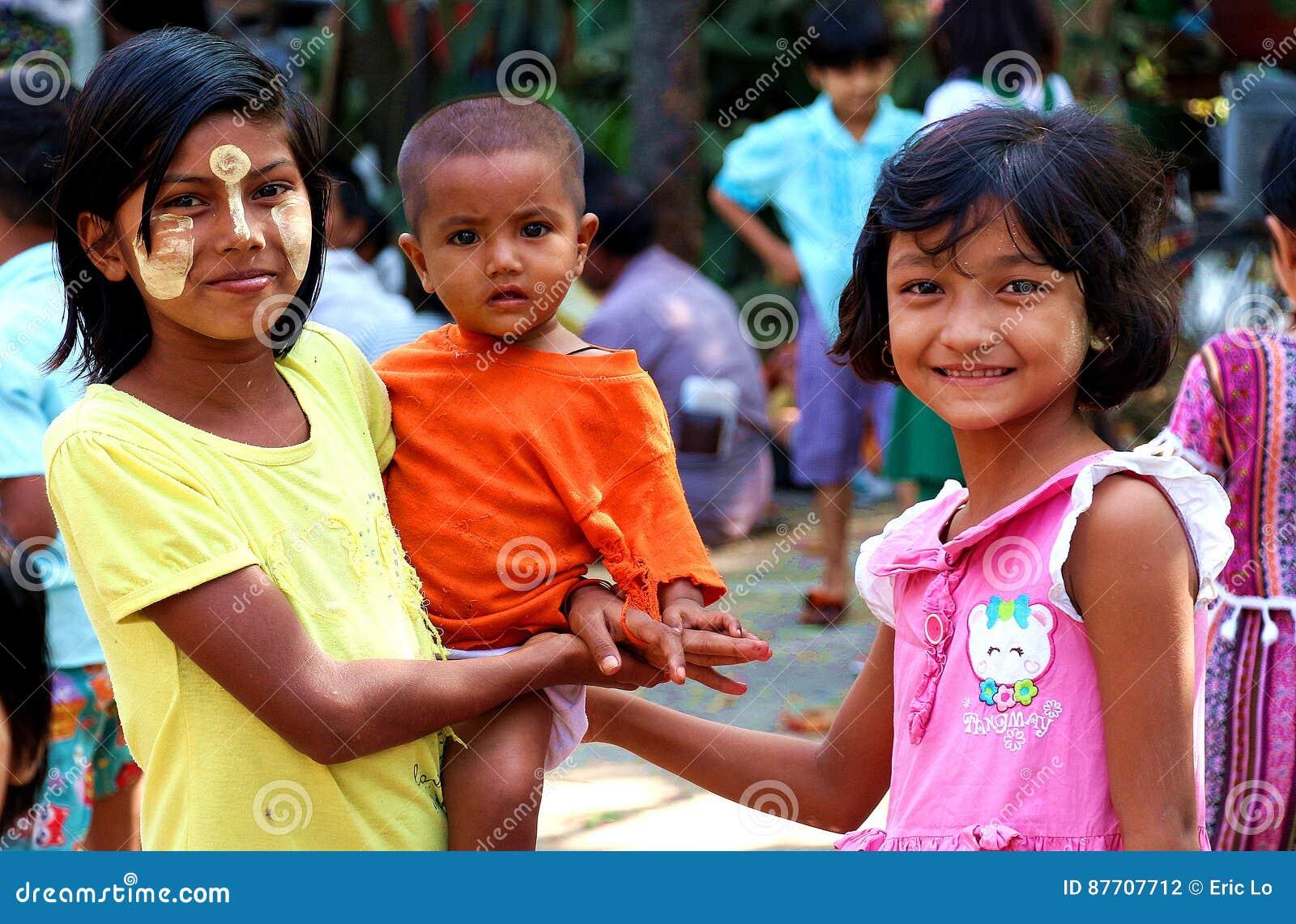 Kinderen in Myanmar krottenwijk