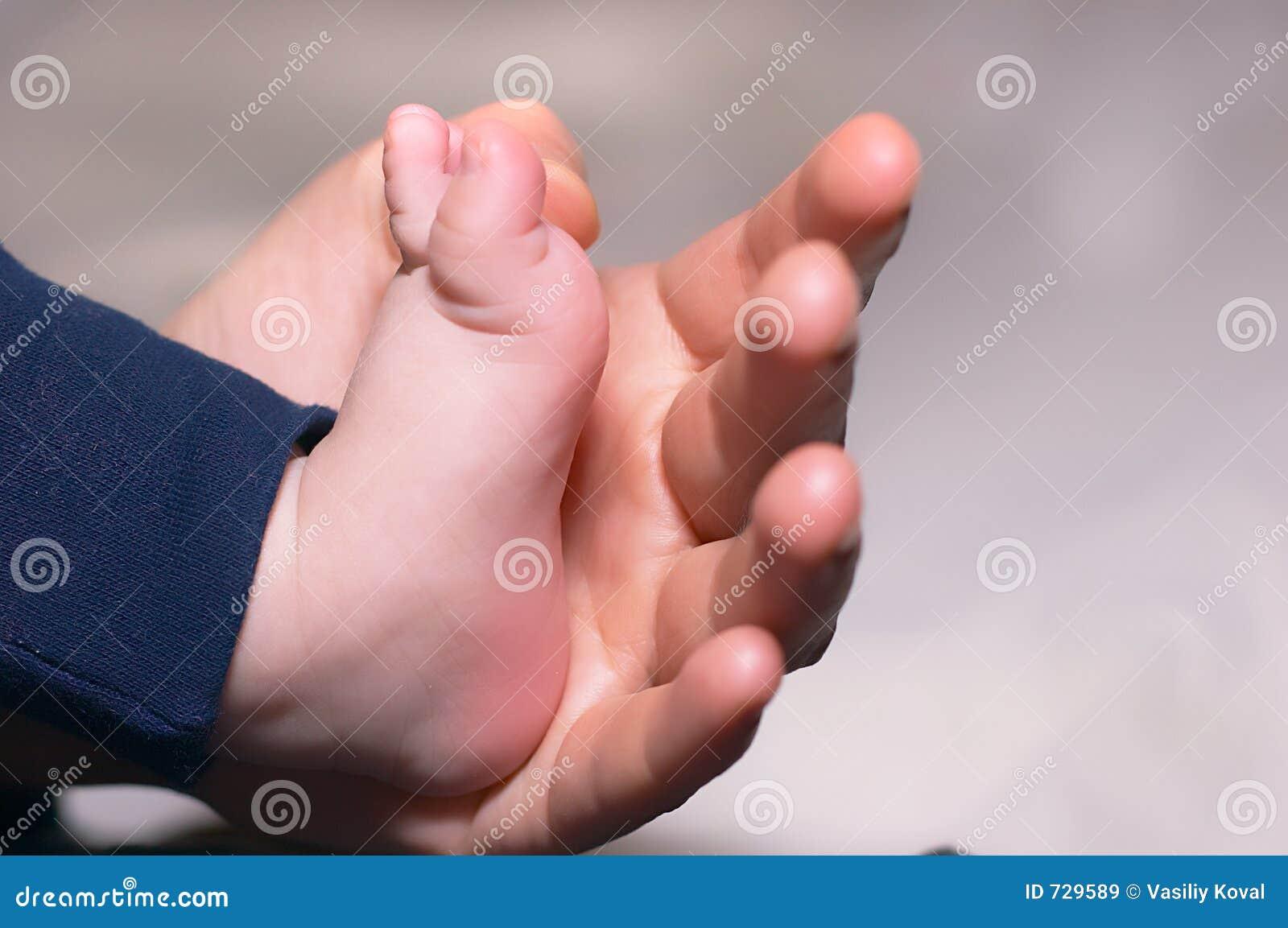 Kinderjaren royalty vrije stock afbeeldingen afbeelding 729589 - Baby voet verkoop ...