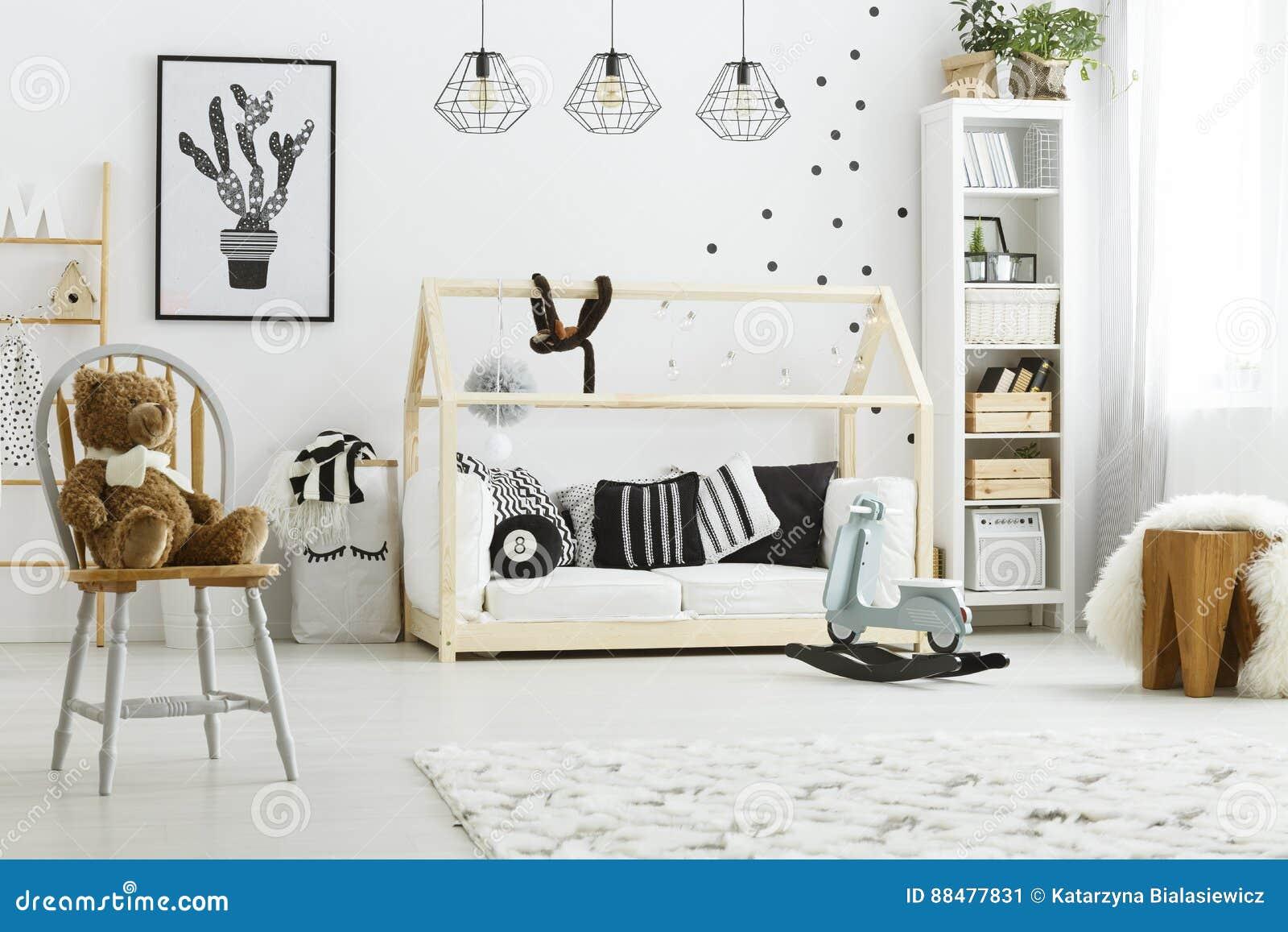 Kinderschlafzimmer Mit Hausbett Stockbild - Bild von cozy ...