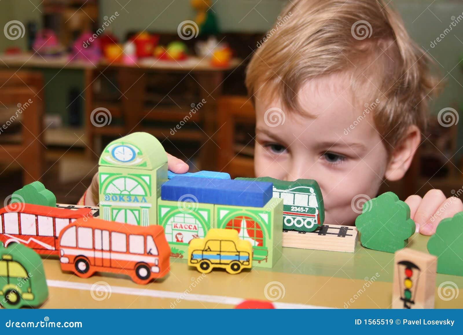 Kinderspiel im Kindergarten