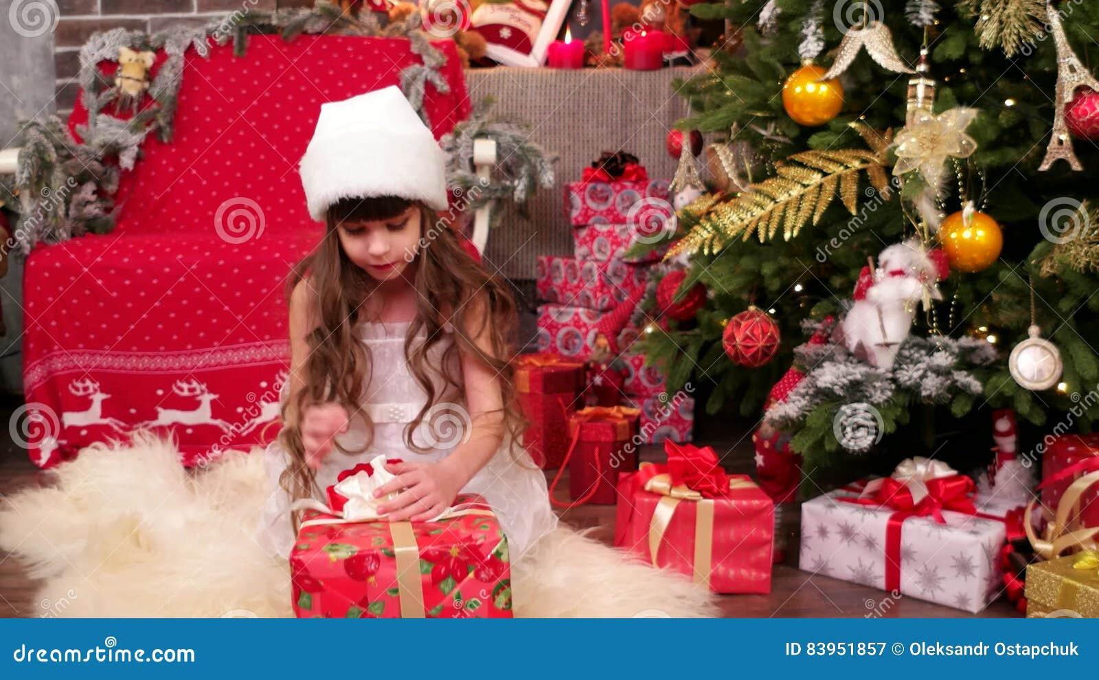 Kinderspiele Im Haus Auf Weihnachtsabend, Weihnachtsüberraschung ...