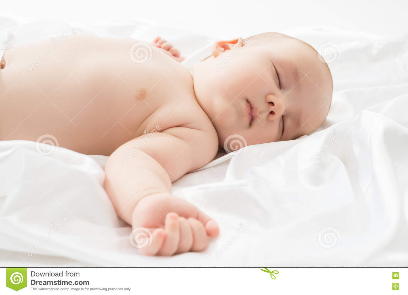 Kinderverzorging Studiofoto van aanbiddelijke babyslaap