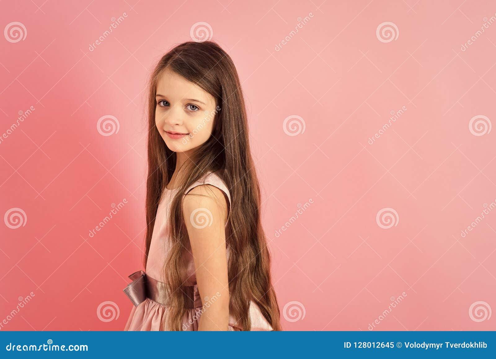 Kindheit Blick Glück Frisur Stockbild Bild Von Kaukasisch