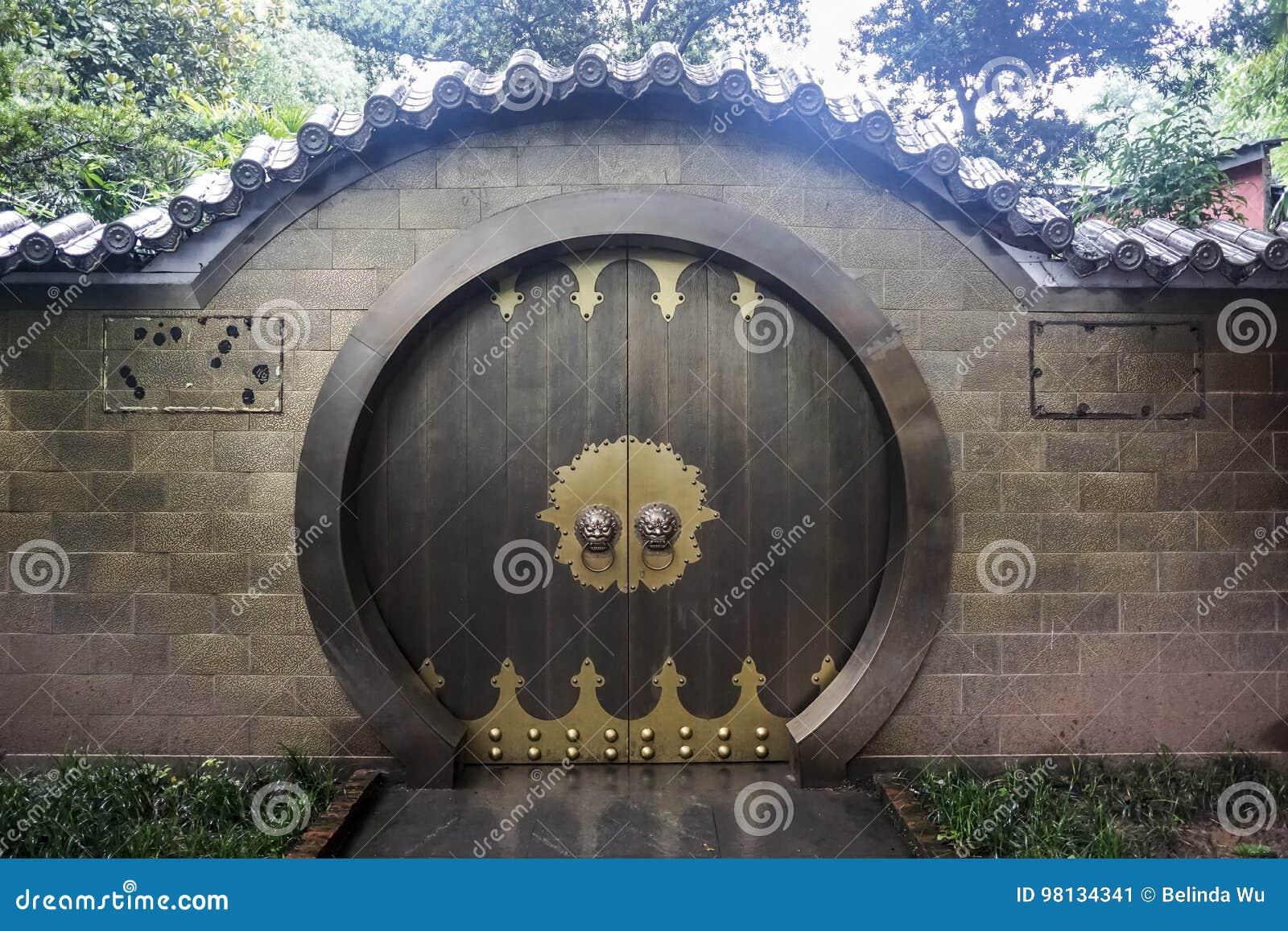 Kinesiskt traditionellt dörrhus