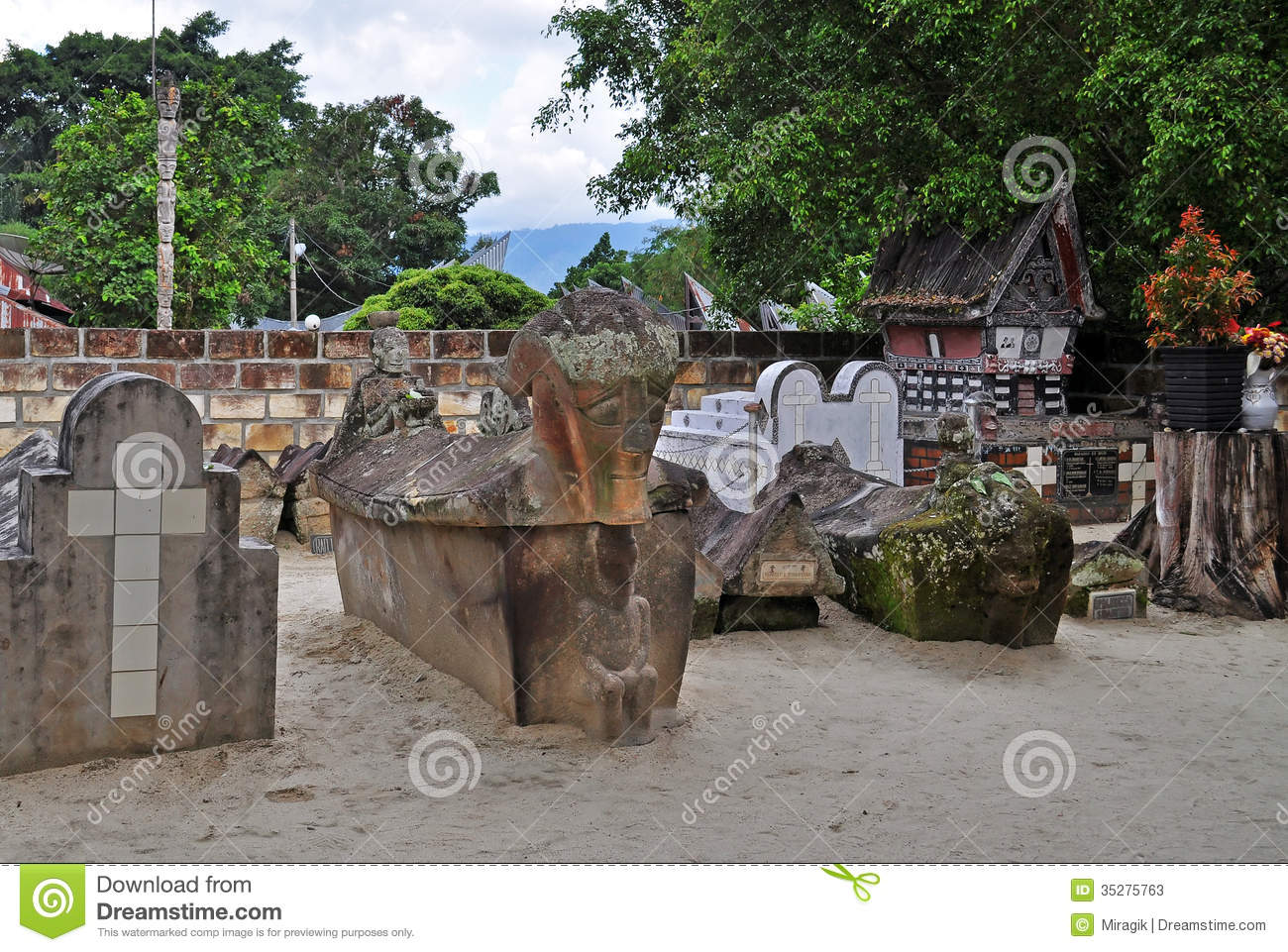 King Sidabutars Tomb And His Family Editorial Stock Photo ...