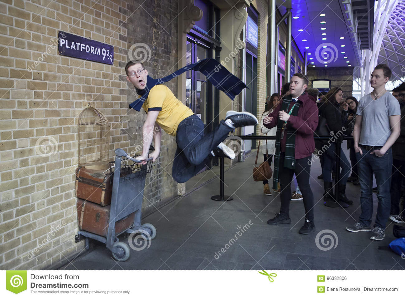 Kings Cross Station Wall Visited By Fans Of Harry Potter To