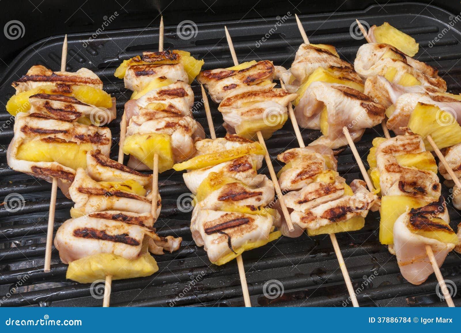 Kippenkebab met ananassen