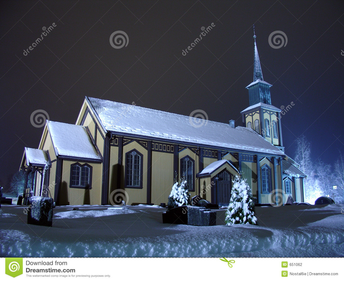 kirche auf weihnachten stockfotografie bild 651062. Black Bedroom Furniture Sets. Home Design Ideas