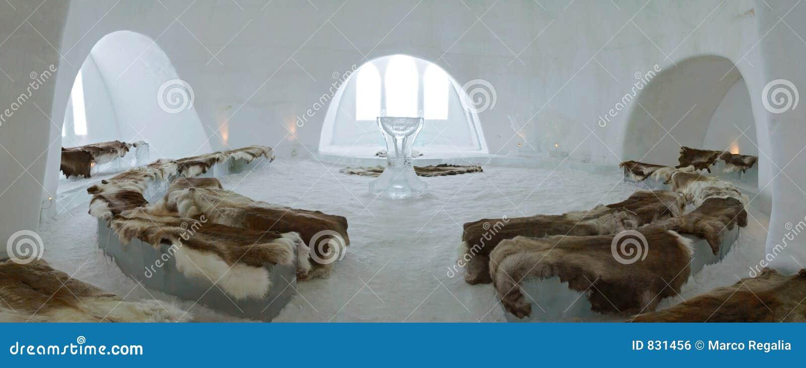 Kirche und Kapelle des Eis-Hotels nahe Kiruna