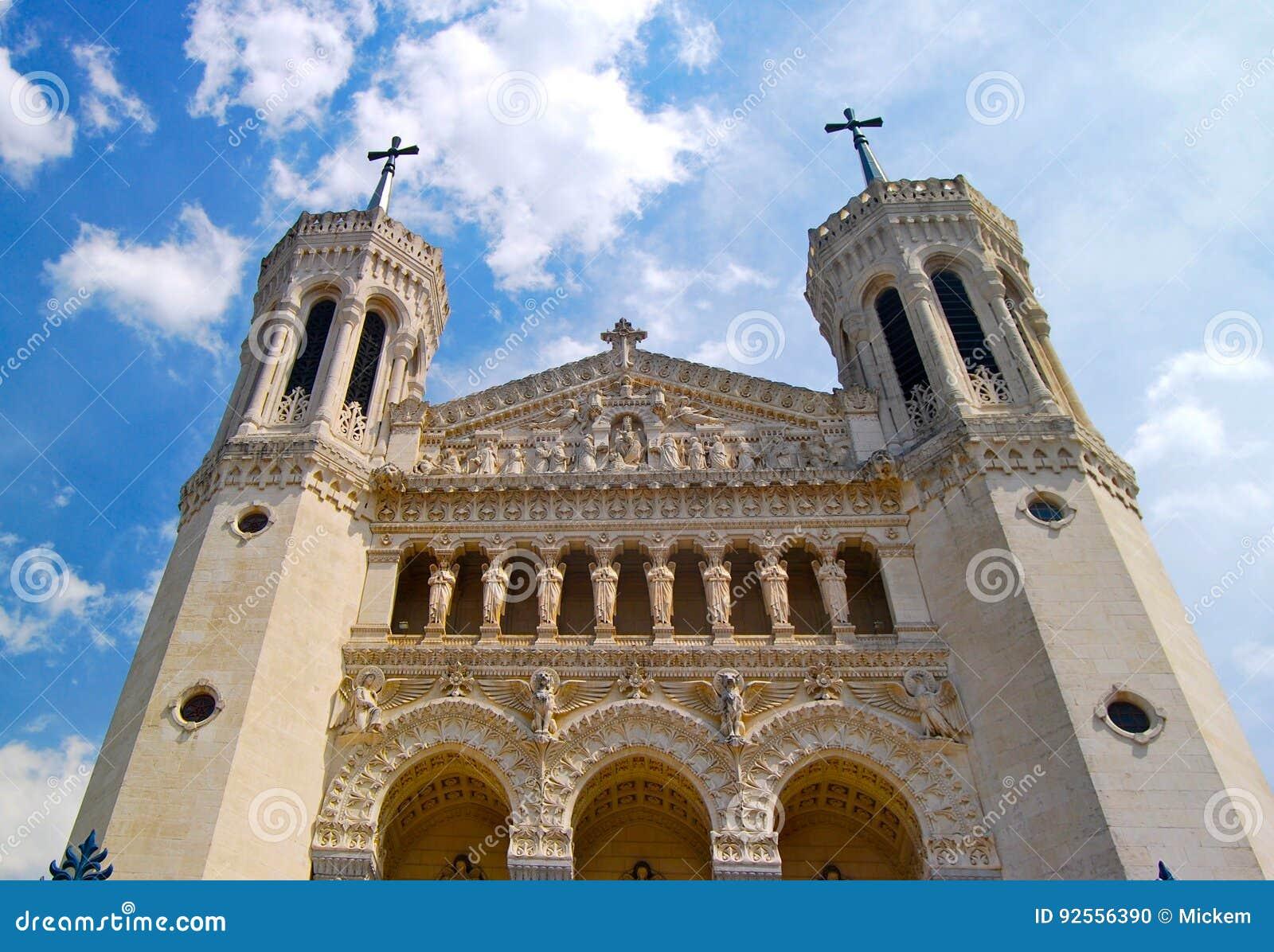 Kirchenfassade Frankreich