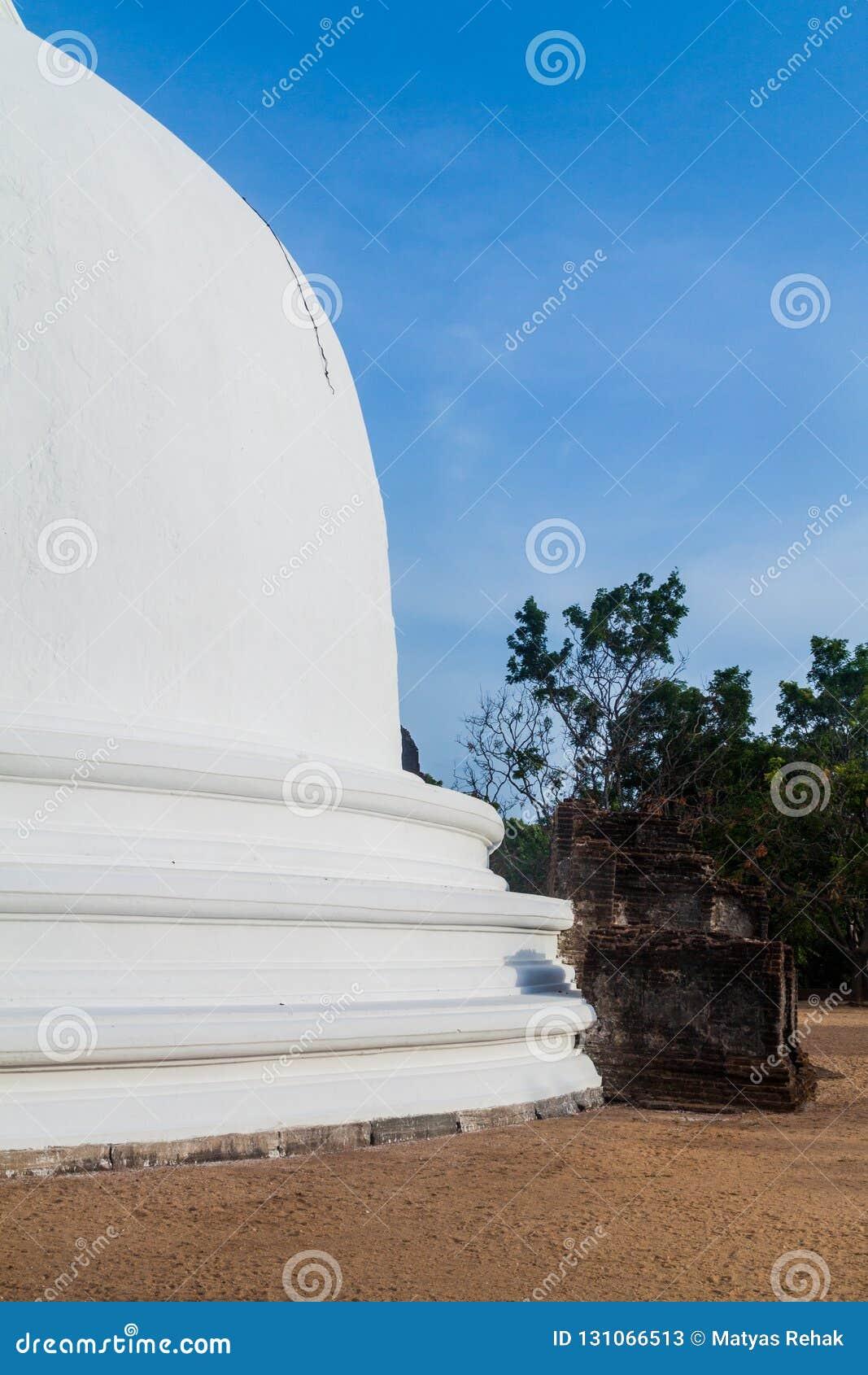 Kiri Vihara en la ciudad antigua Polonnaruwa, Lan de Sri