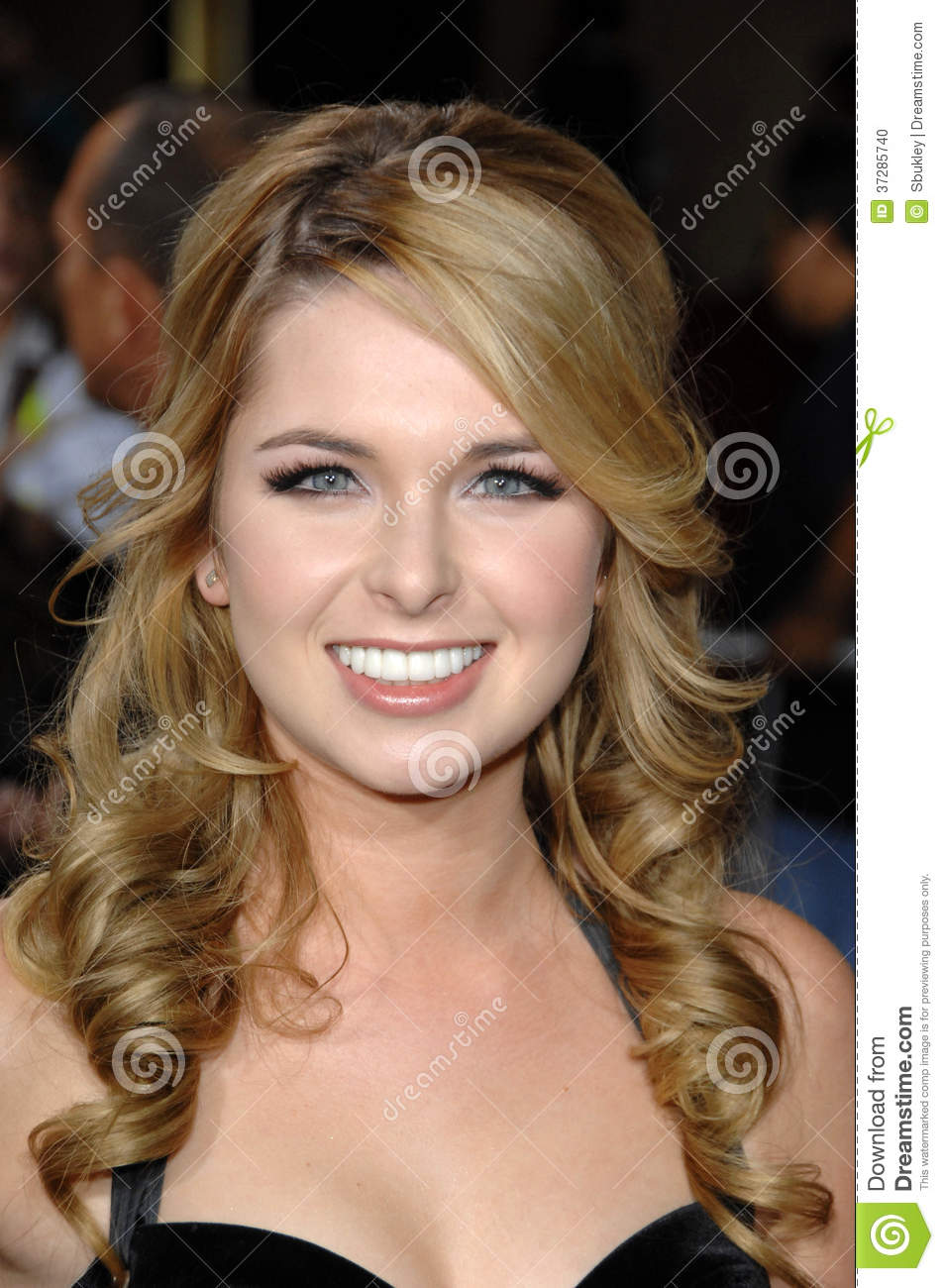 Kirsten Prout Nude Photos 28