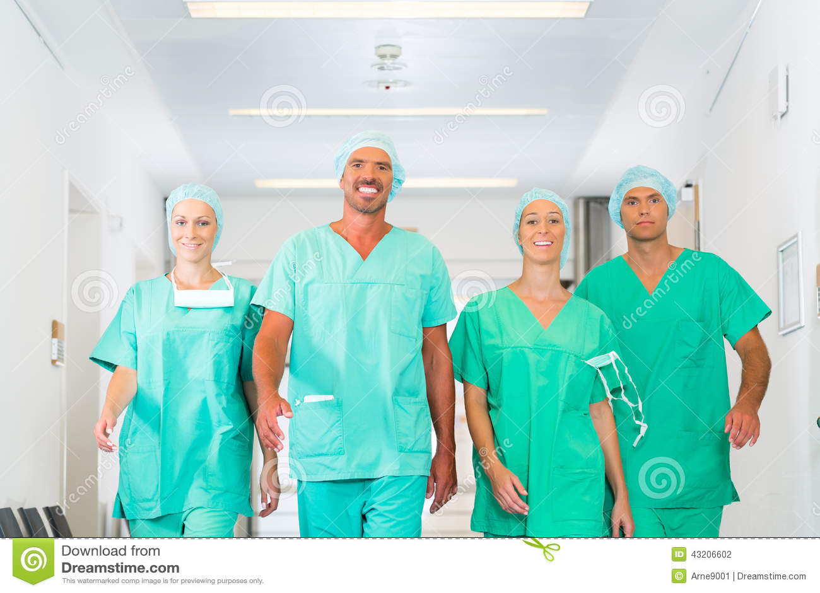 Kirurger i sjukhus eller klinik som laget