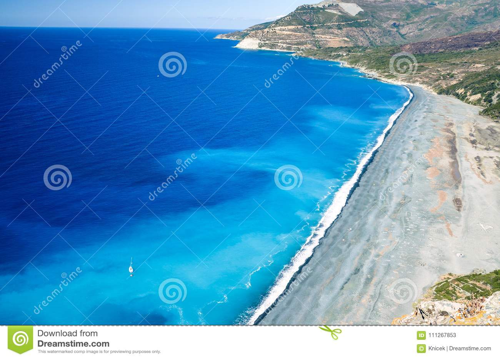 KiselstenNonza strand på västkusten av Korsika, Frankrike