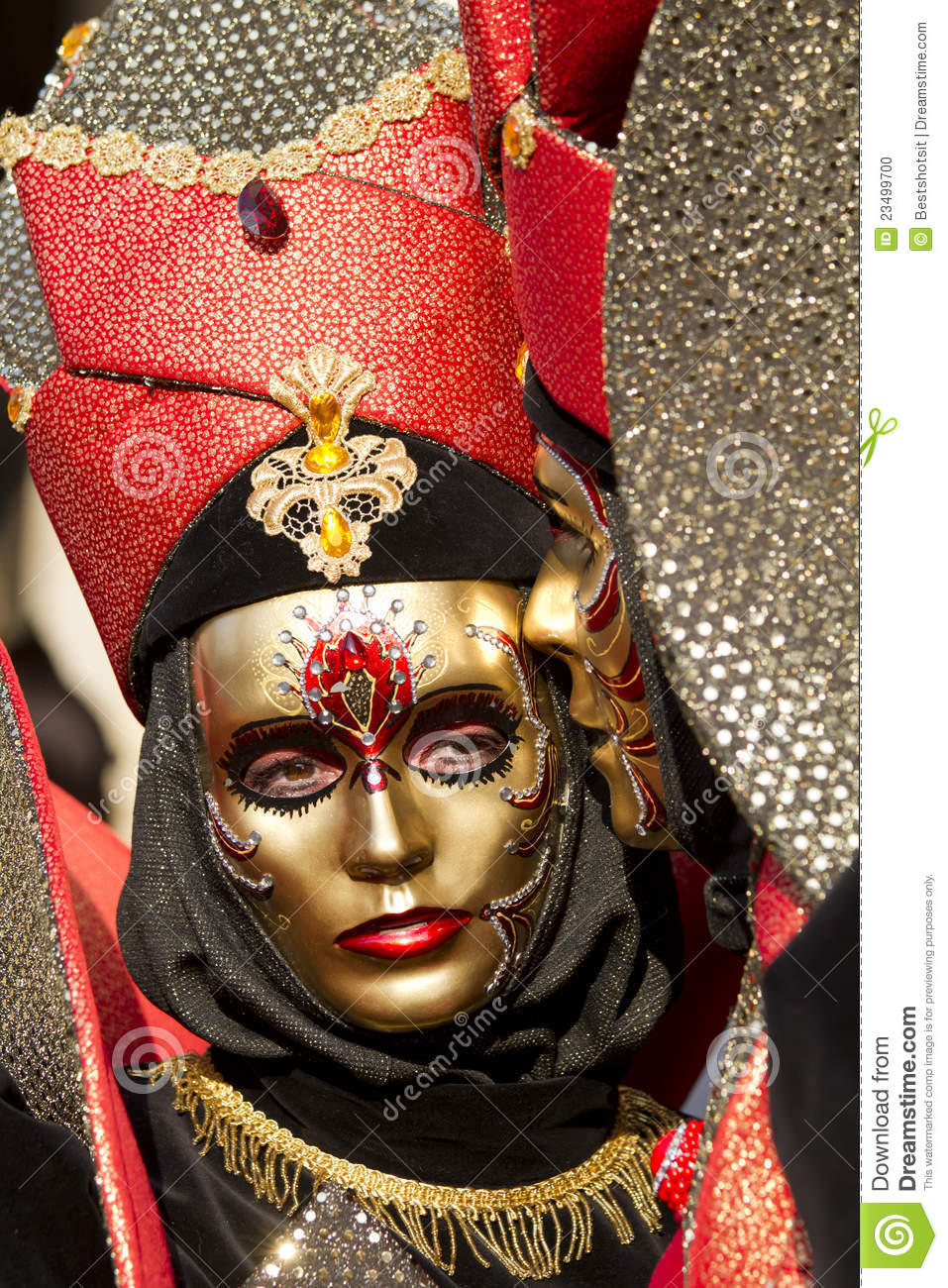 2 lovers in masks for their protection - 1 6