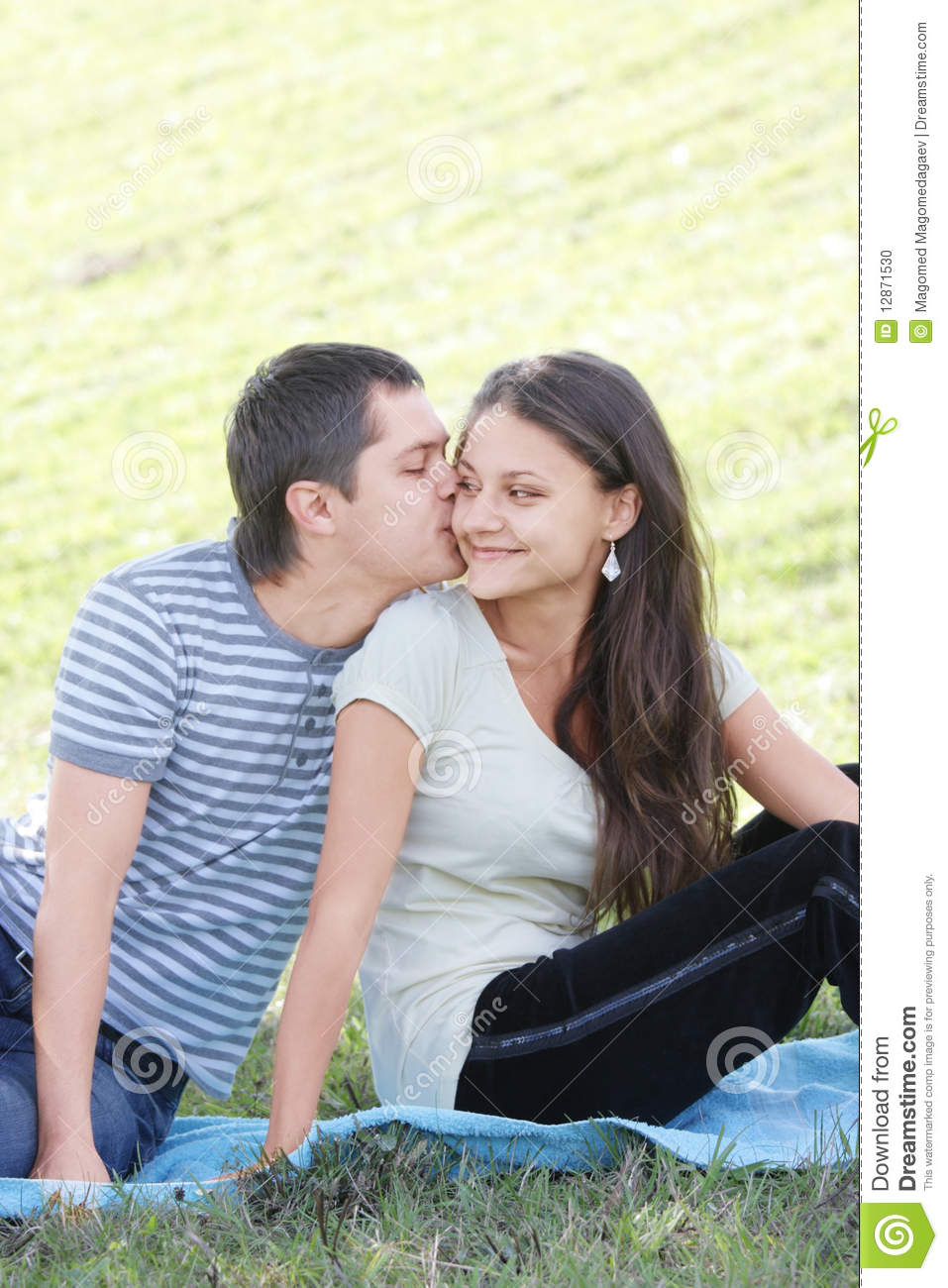 kiss on the cheek not dating