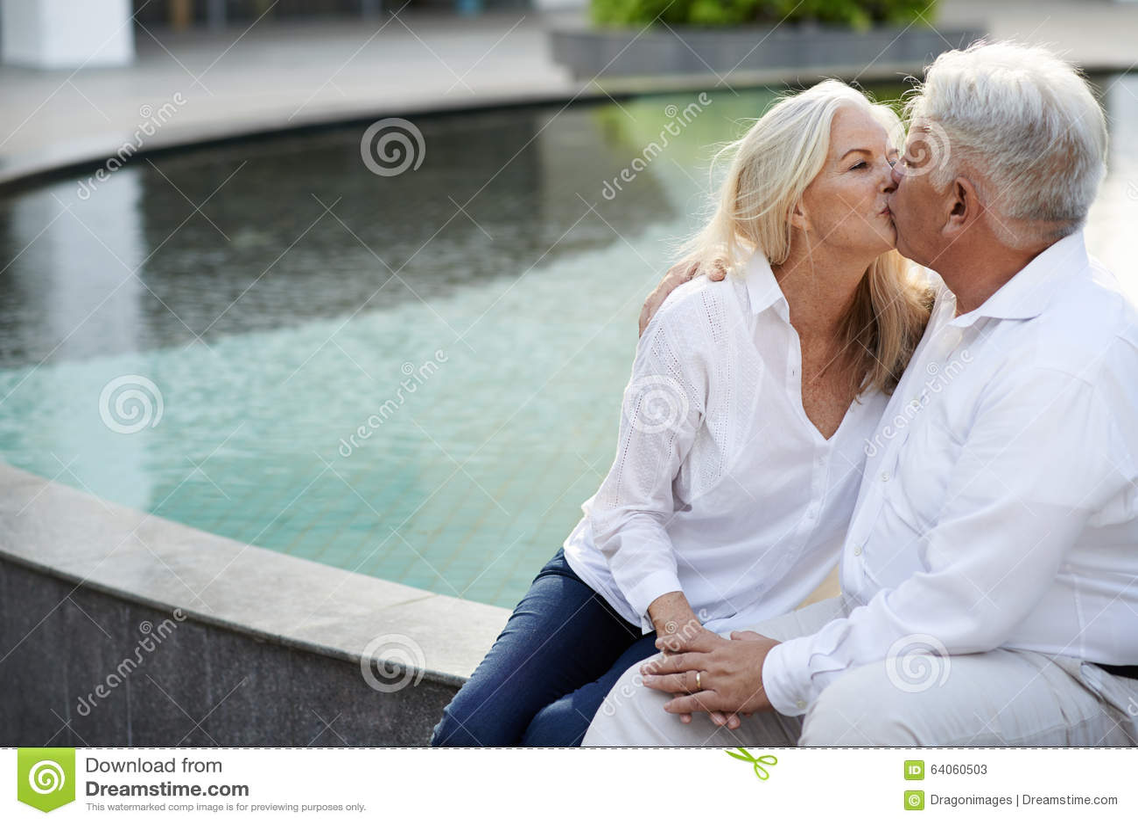 Kiss mature
