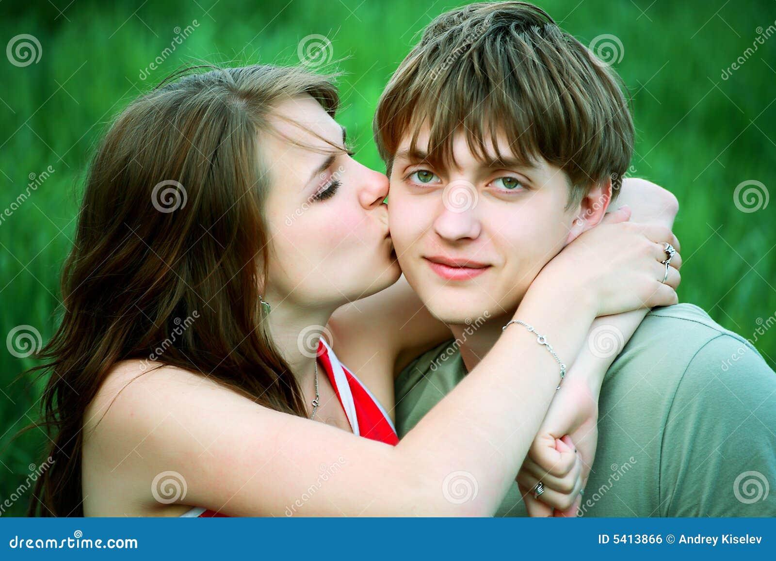 Kiss tender