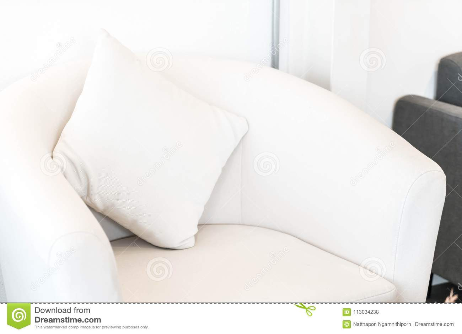 Kissen auf Sofa