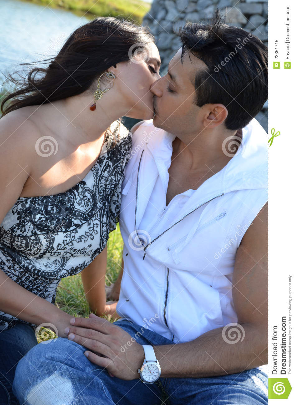 Images Of Kissing Couple Royalty Free Stock Image