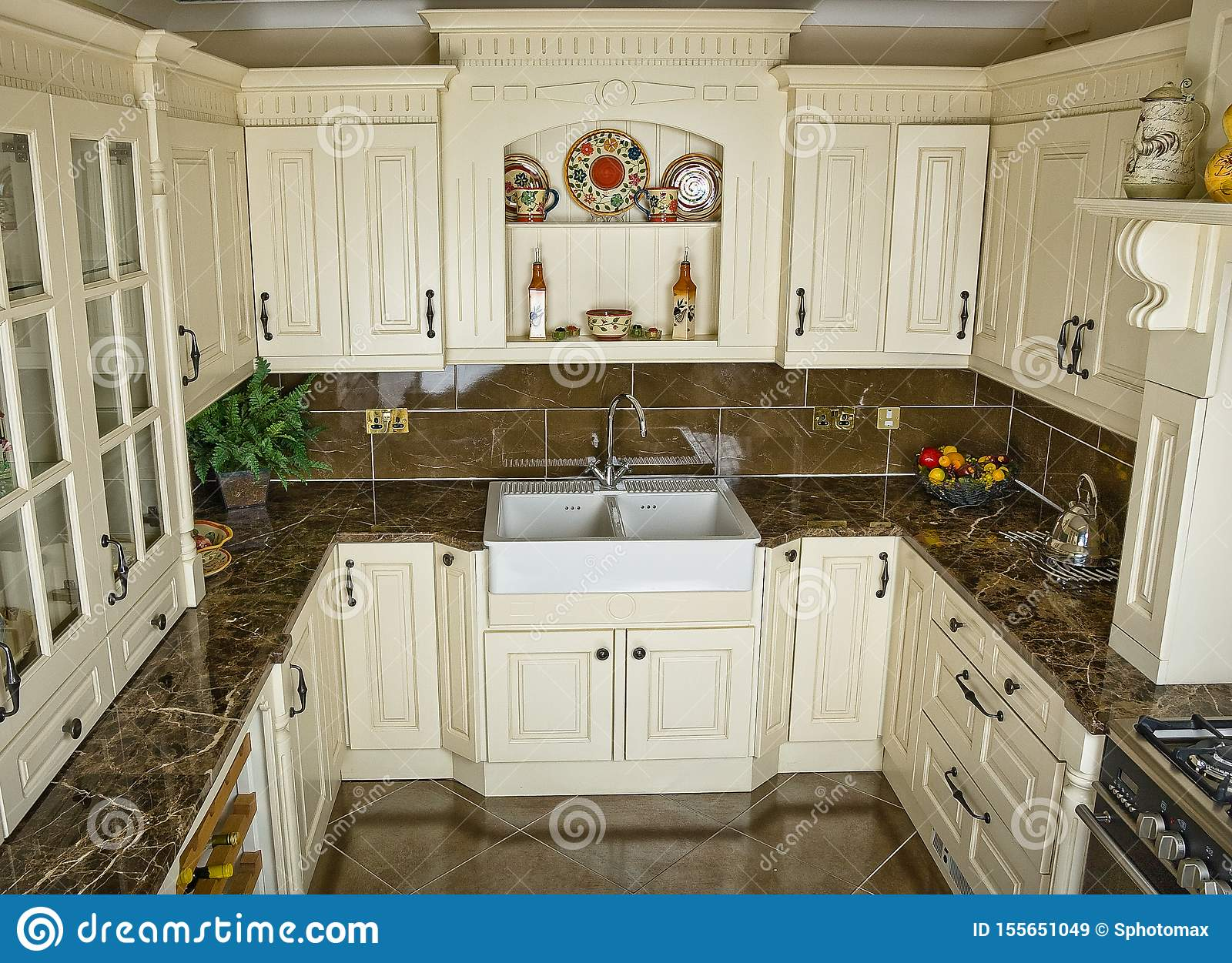 Kitchen with appliances and a beautiful interior designe